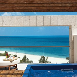 Luxury Honeymoon Packages - Excellence Palay Mujeures - private pool