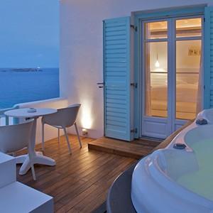 Bill & Coo Suites and Lounge Mykonos - Greece Honeymoon - jacuzzi