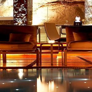 Bill & Coo Suites and Lounge Mykonos - Greece Honeymoon - lounge bar 2