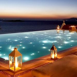 Bill & Coo Suites and Lounge Mykonos - Greece Honeymoon - lounge bar pool