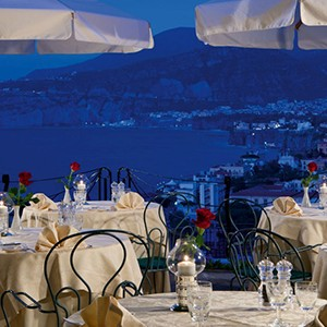 Grand Hotel Capodimonte - Italy Honymoon Packages - dining