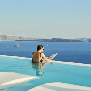 Greece Honeymoon Packages Canaves Oia Suites Infinity Pool4