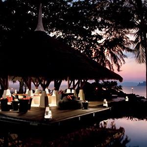 phulay bay, Krabi - Thailand Honeymoon Packages - bar