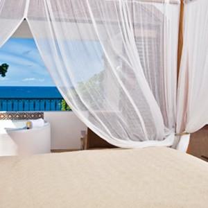 Cap Maison - St Lucia Honeymoon Packages - bedroom