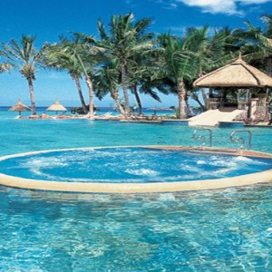 La Pirogue Resort and Spa - Luxury Mauritius Honeymoon Packages - swimming pool with jacuzzi