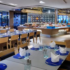Marina Mandarin - Luxury Singapore Honeymoon Packages - Aquamarine