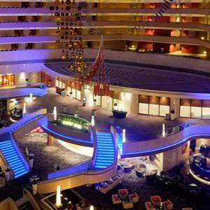 Marina Mandarin - Luxury Singapore Honeymoon Packages - Atrium lounge night view