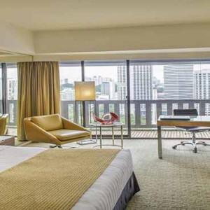 Marina Mandarin - Luxury Singapore Honeymoon Packages - Atrium suite1
