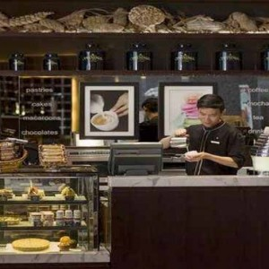 Marina Mandarin - Luxury Singapore Honeymoon Packages - Cafe Mocha