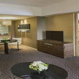 Marina Mandarin - Luxury Singapore Honeymoon Packages - Marina suite living area