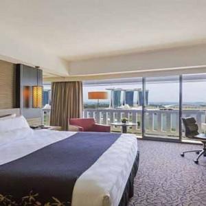 Marina Mandarin - Luxury Singapore Honeymoon Packages - Meritus Club Marina Bay View Room