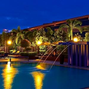 Marina Mandarin - Luxury Singapore Honeymoon Packages - Pool at night