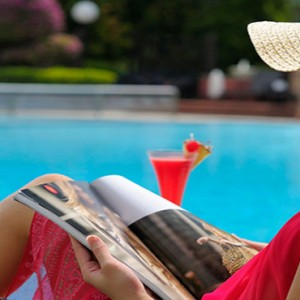 Marina Mandarin - Luxury Singapore Honeymoon Packages - Pool garden