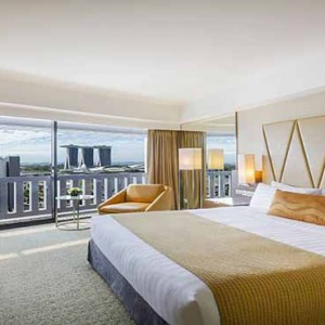 Marina Mandarin - Luxury Singapore Honeymoon Packages - Premier Marina Bay View Room