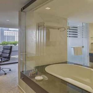 Marina Mandarin - Luxury Singapore Honeymoon Packages - Presidential Suite bathroom1