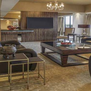 Marina Mandarin - Luxury Singapore Honeymoon Packages - Presidential Suite living area