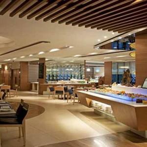 Marina Mandarin - Luxury Singapore Honeymoon Packages - Restaurant