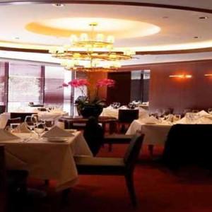 Marina Mandarin - Luxury Singapore Honeymoon Packages - Ruth's Chris Steak House