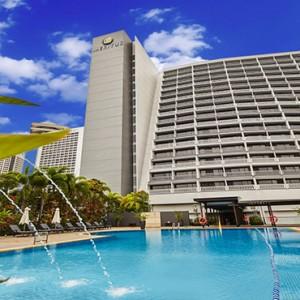 Marina Mandarin - Luxury Singapore Honeymoon Packages - hotel exterior2