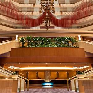 Marina Mandarin - Luxury Singapore Honeymoon Packages - lobby entrance