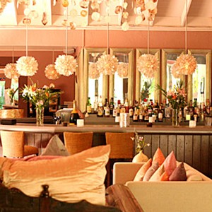 Pink Sands - Bahamas Honeymoon Packages - bar