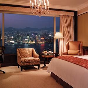Shangri-La Island Hong Kong - Honeymoon - bedroom