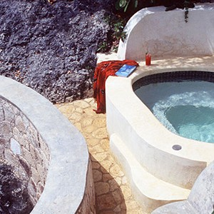 The Caves - Jamaica Honeymoon Packages - jacuzzi