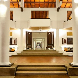Cinnamon Lodge Habarana - Luxury Sri Lanka Honeymoon Package - Hotel entrance