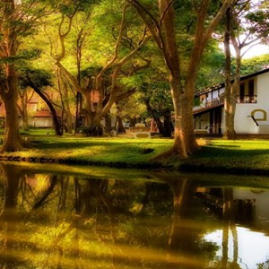 Cinnamon Lodge Habarana - Luxury Sri Lanka Honeymoon Package - Lake view