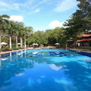 Sri Lanka Honeymoon Package - Cinnamon Lodge Habarana - swimming pool