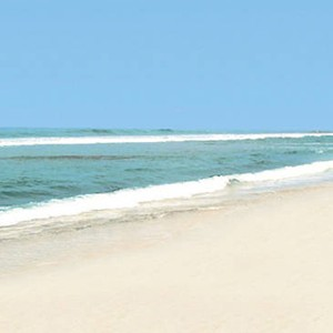 Club Bentota - Sri Lanka Honeymoon Packages - beach 2