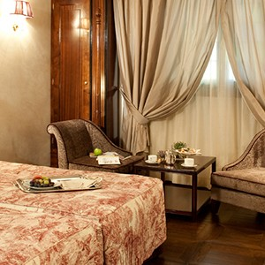 Grand Hotel Baglioni Florence - Italy Honeymoon Packages - suite