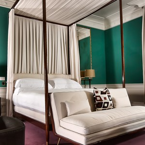 JK Place Florence - Italy Honeymoon Packages - bedroom