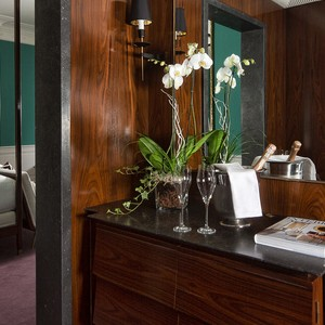 JK Place Florence - Italy Honeymoon Packages - suite