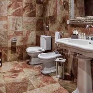 Palazzo Victoria - Italy honeymoon packages - bathroom