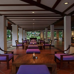 Sri Lanka Honeymoon Package Cinnamon Lodge Habarana Tuskers Bar