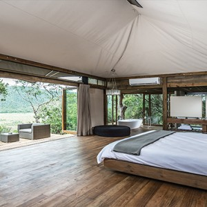 Kariega Game Reserve - Luxury South Africa Honeymoon Packages - Settlers drift Interior
