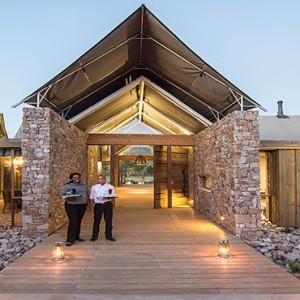 Kariega Game Reserve - Luxury South Africa Honeymoon Packages - Settlers drift entrance