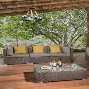 Kariega Game Reserve - Luxury South Africa Honeymoon Packages - The Homestead living area