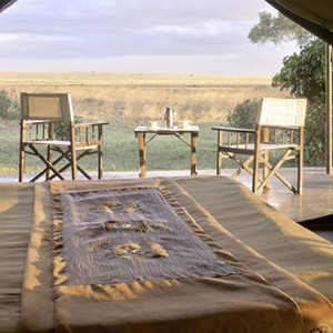 Governors Main Campt - Kenya Honeymoon Packages - bed