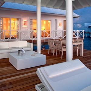 Maldives honeymoon packages - Diamonds Thudufushi - deck