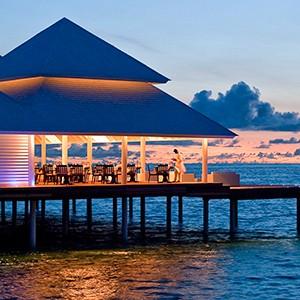 Maldives honeymoon packages - Diamonds Thudufushi - dusk