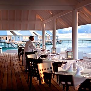 Maldives honeymoon packages - Diamonds Thudufushi - restaurant