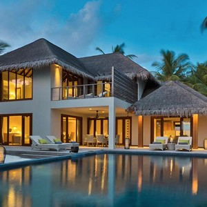 Dusit Thani Maldives - Two bedroom beach residence pool