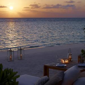 honeymoon packages - Maldives - Dusit Thani - Beach