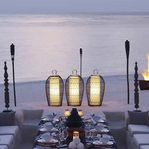 honeymoon packages - Maldives - Dusit Thani - Beach Dining