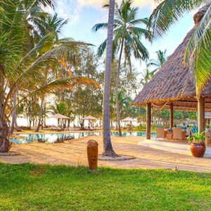 Luxury Zanzibar Holiday Packages Bluebay Beach Resort And Spa Pool Bar