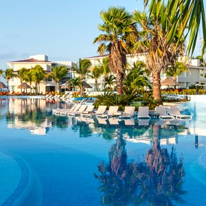 moon palace golf and spa resort - mexico honeymoon packages - pool area