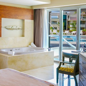 moon palace golf and spa resort - mexico honeymoon packages - swim out suite