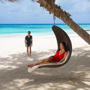Barbados-Honeymoon-Packages-Sandals-Barbados-beach-4